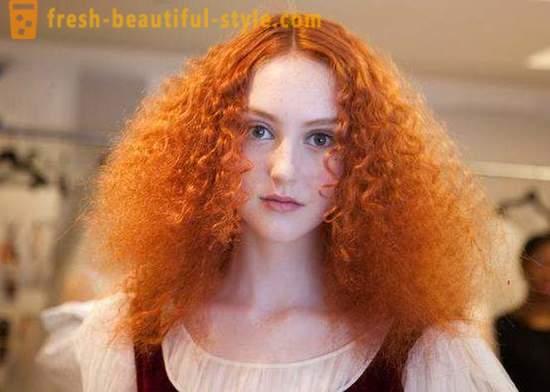 Rote haarfarbe von haut entfernen